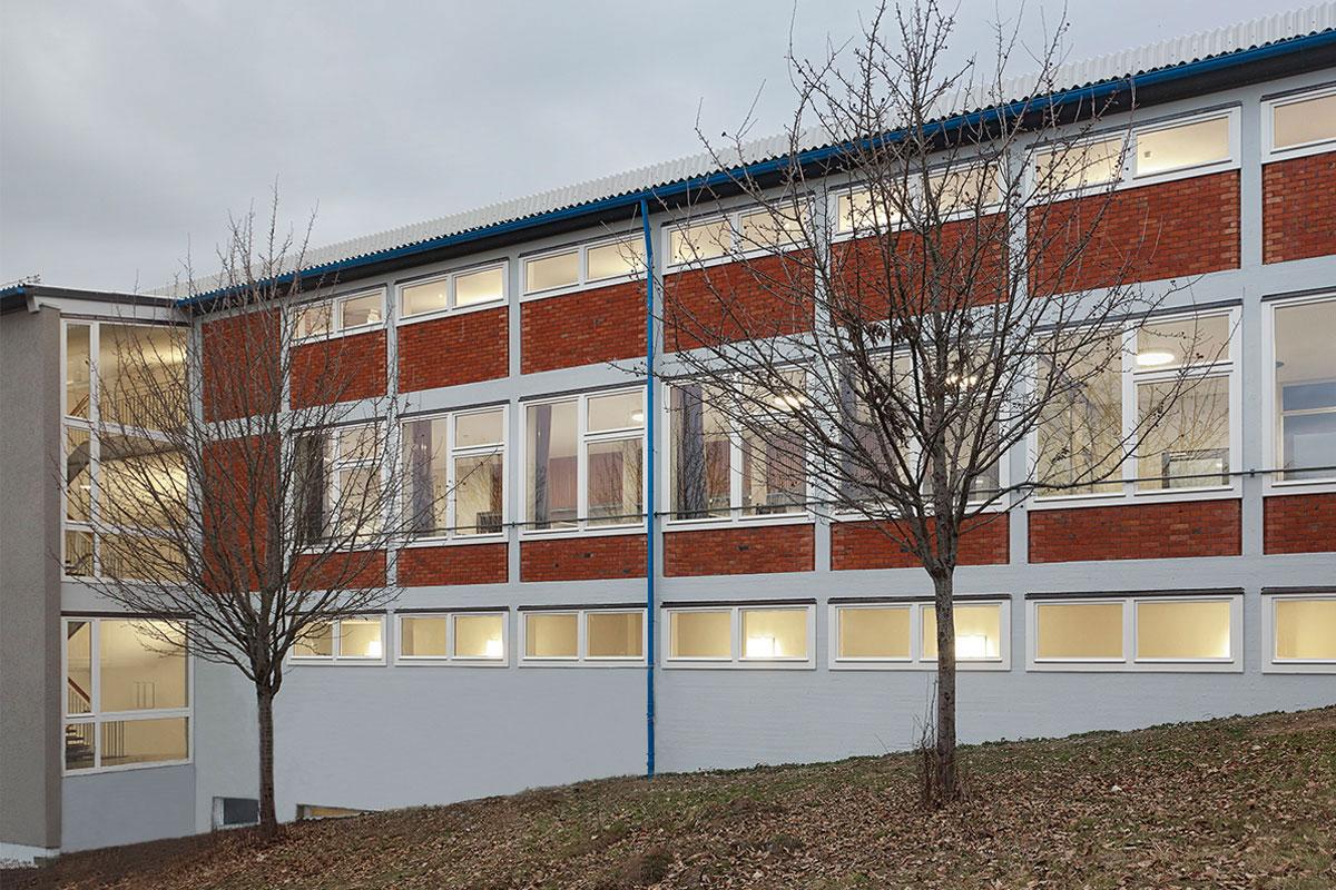 Außenbereich der Haldenrainschule