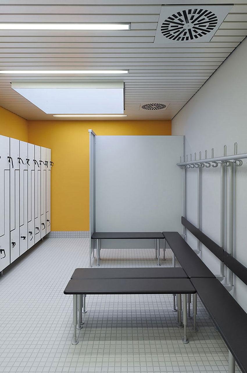 Architekt Hallenbad Umkleiden Oberlichter