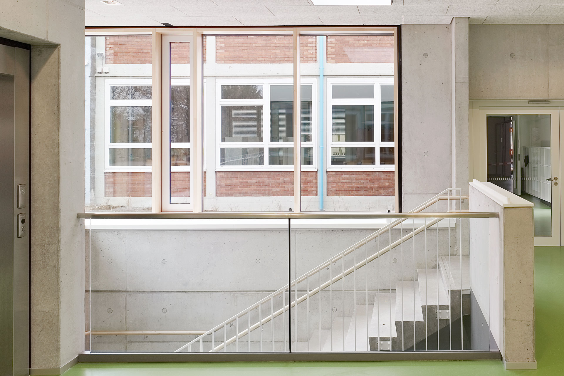 Architekt, Schülermensa, Treppe Eingangsbereiche