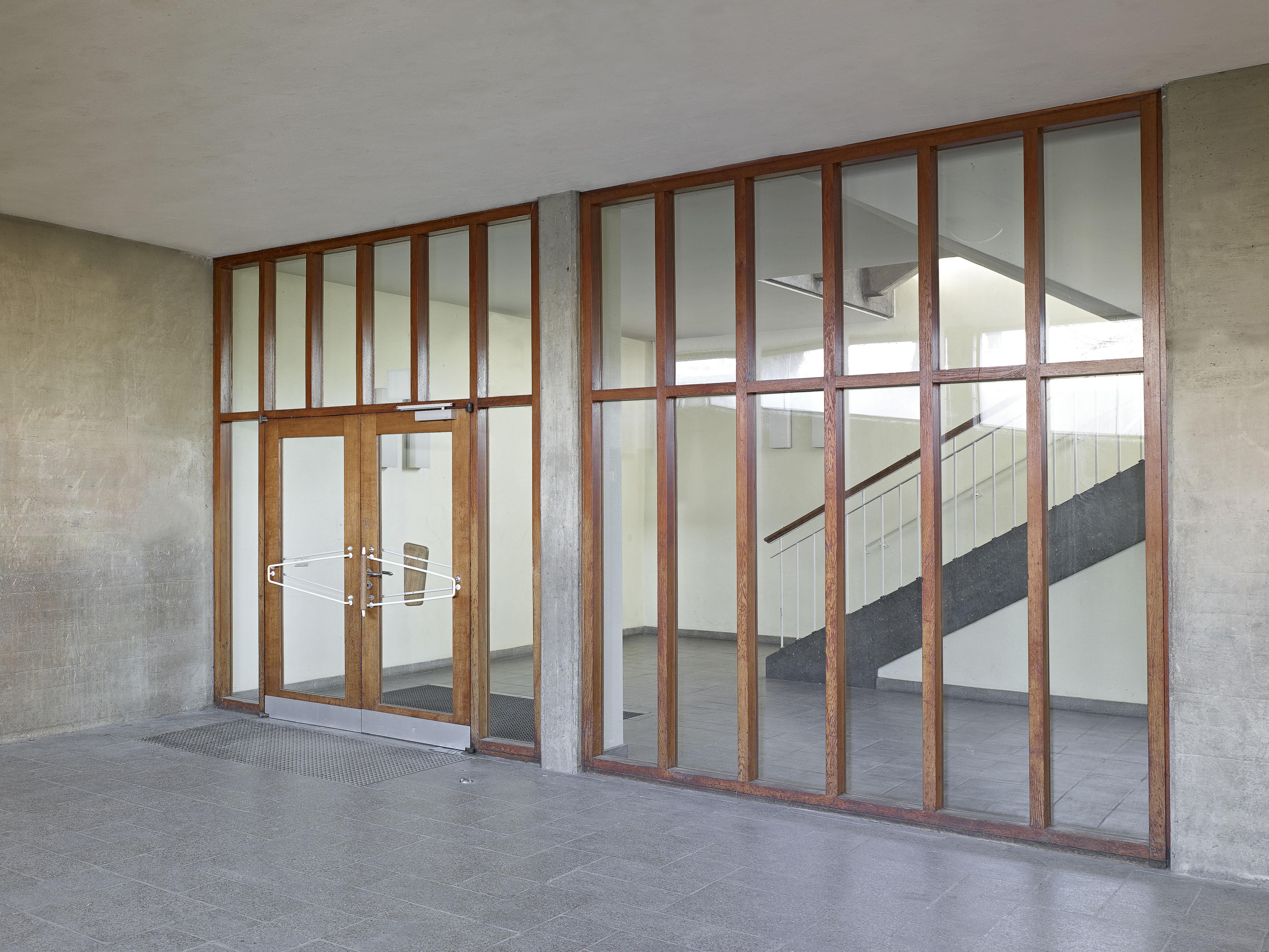Schulerweiterung Silcherschule, Eingangstuer