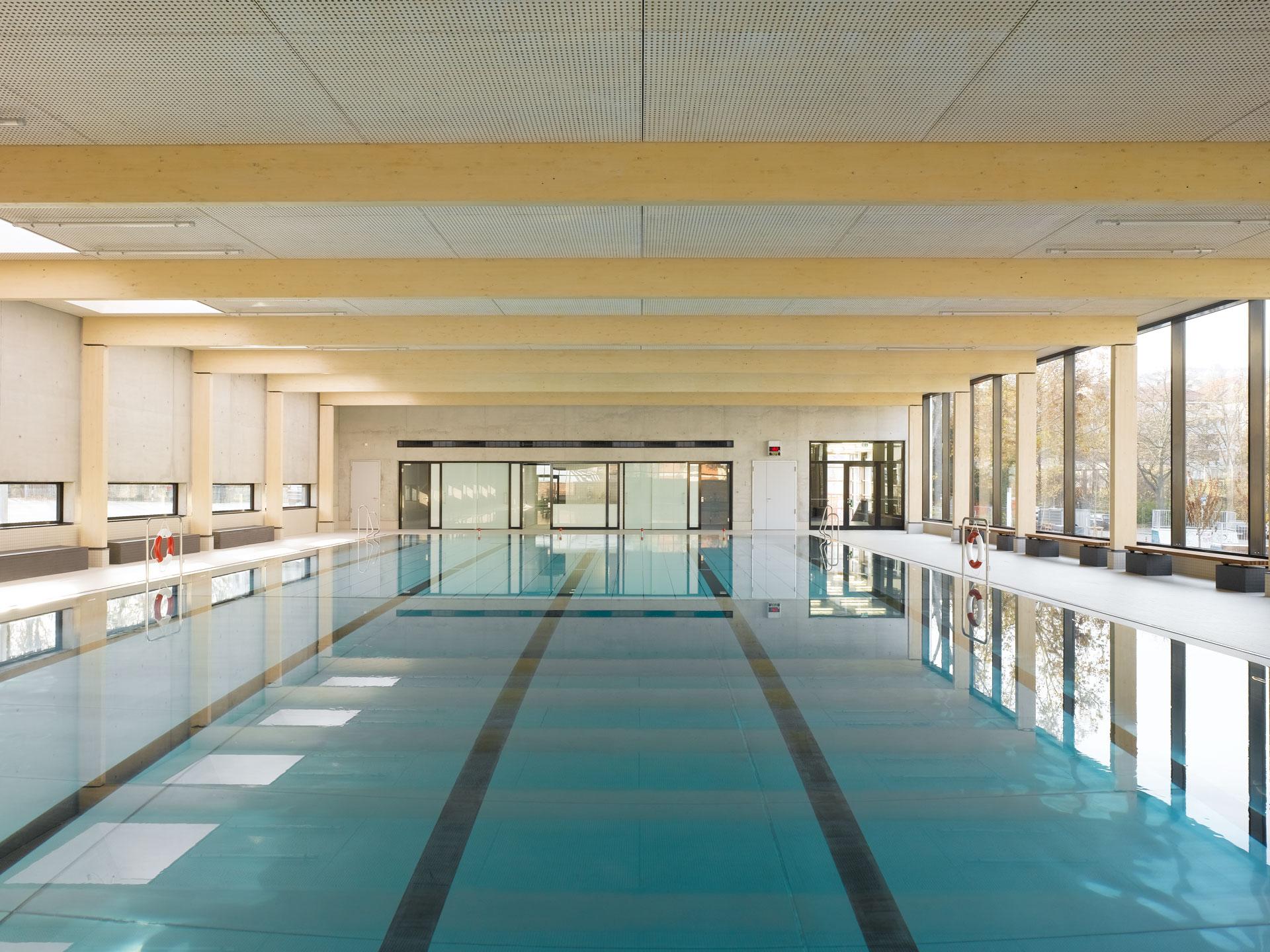 Hallenbad Neubau, Schwimmbecken Holztragwerk