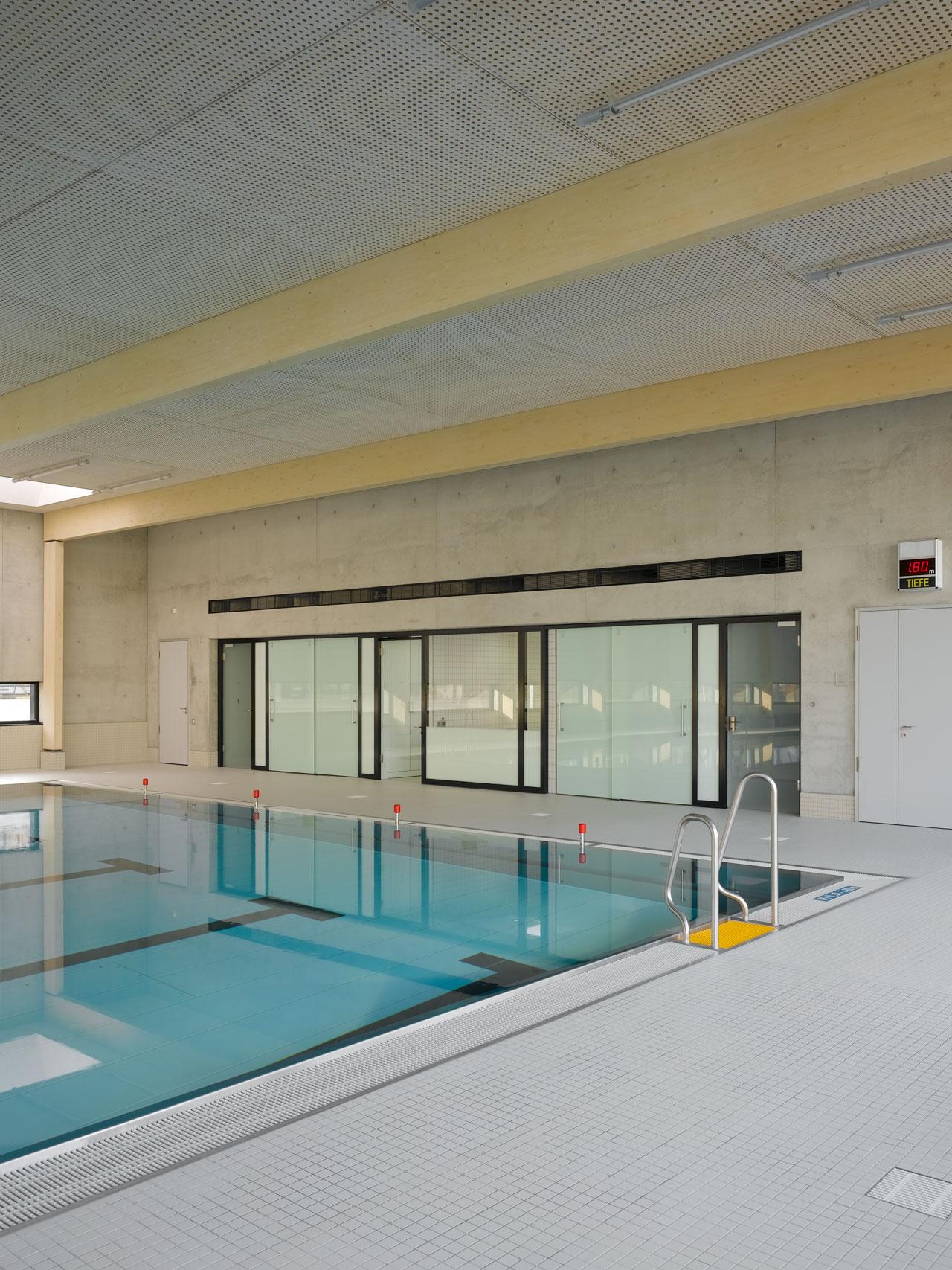 Hallenbad Neubau, Schwimmbecken